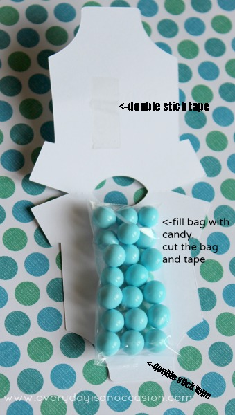 Every Day is an Occasion: Onesie Favor! Very easy to make and yummy treats in the middle!