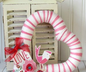 Yarn Wrapped Wreath by Ribbons and Glue